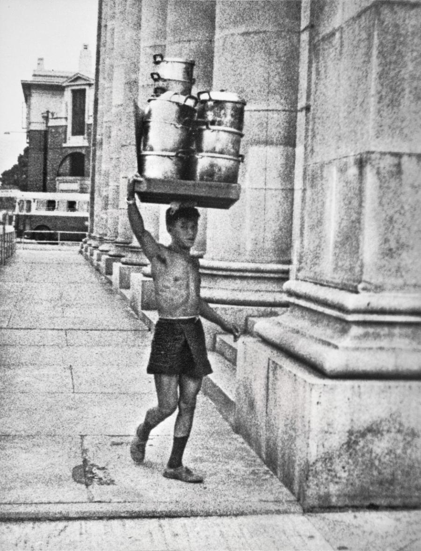 Anh hiem ve Hong Kong thap nien 1950 qua ong kinh nha tai phiet hinh anh 4