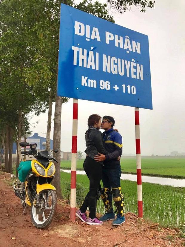 Cặp đôi hôn nhau trên từng cây số: Đi xuyên Việt, đến đâu cũng chỉ chụp đúng 1 kiểu ảnh - Ảnh 5.
