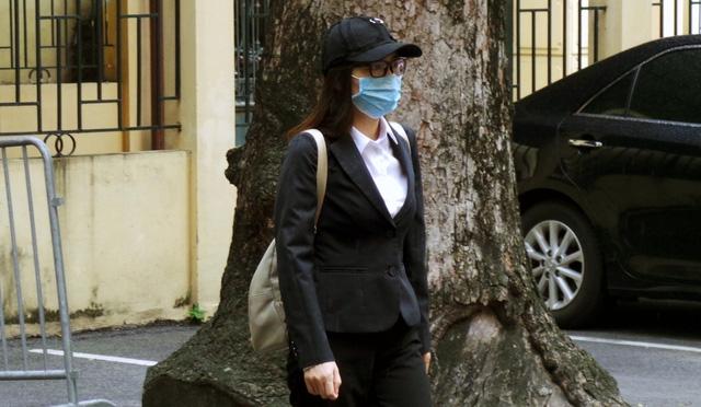 HĐXX nhận định bị cáo Hồng Tứ đã thành khẩn khai báo (ảnh chụp bị cáo đến phiên xử tuyên án sáng nay, 29/9)
