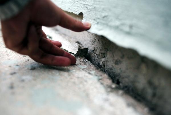 Hà Nội: Hàng nghìn cư dân chung cư lo nơm nớp vì nền bị sụt lún nghiêm trọng - Ảnh 11.