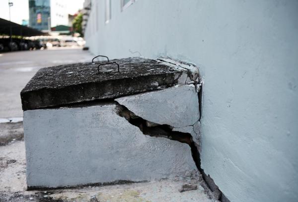 Hà Nội: Hàng nghìn cư dân chung cư lo nơm nớp vì nền bị sụt lún nghiêm trọng - Ảnh 12.