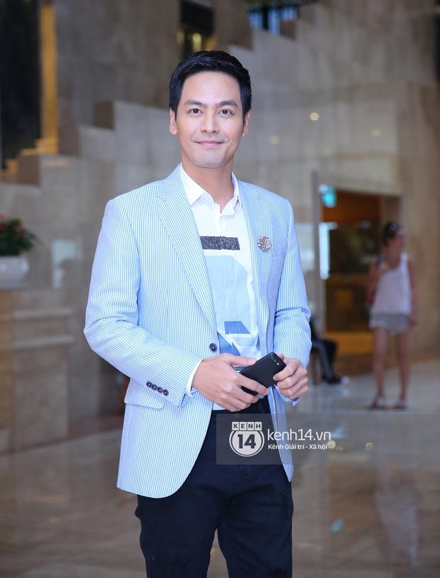 Họp báo HHHVVN: Võ Hoàng Yến có mặt chỉn chu, Phạm Hương đến trễ hơn 1 tiếng đồng hồ - Ảnh 3.