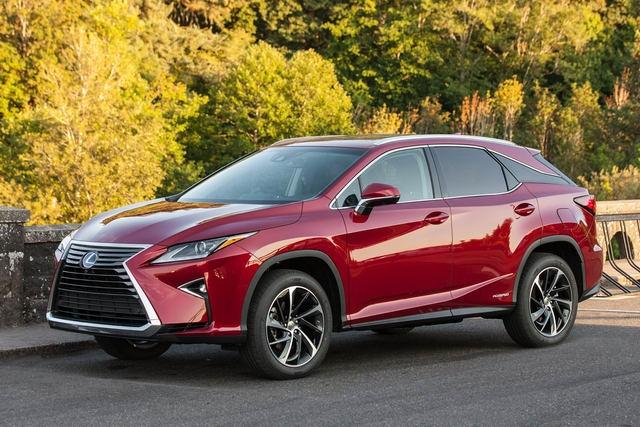 Khách hàng hài lòng với Toyota và Lexus nhất trong 2017 - 2