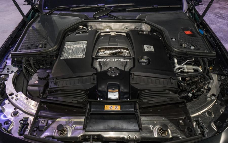 Mercedes-Benz E63 S gia 237.000 USD tai Malaysia hinh anh 6
