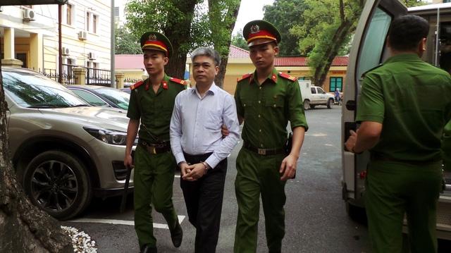 Nguyễn Xuân Sơn, cựu Tổng Giám đốc Oceanbank, đối diện mức án tử hình cho 3 tội danh bị truy tố.