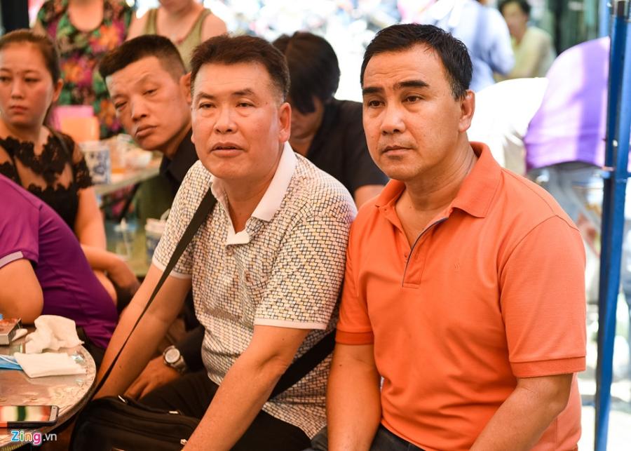Quyen Linh, Trung Dan toi thap huong tien biet nghe si Khanh Nam hinh anh 4