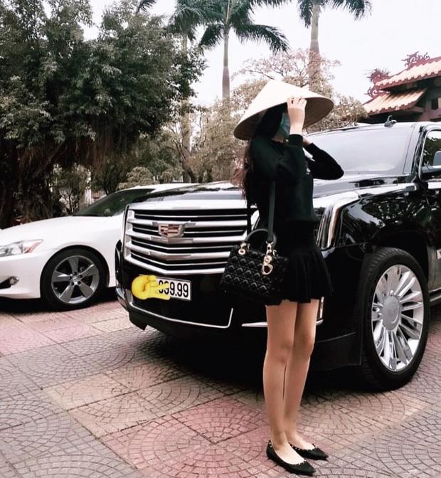 10x xinh đẹp có cuộc sống như công chúa đang cực hot trên Hội con nhà giàu Việt Nam - Ảnh 1.