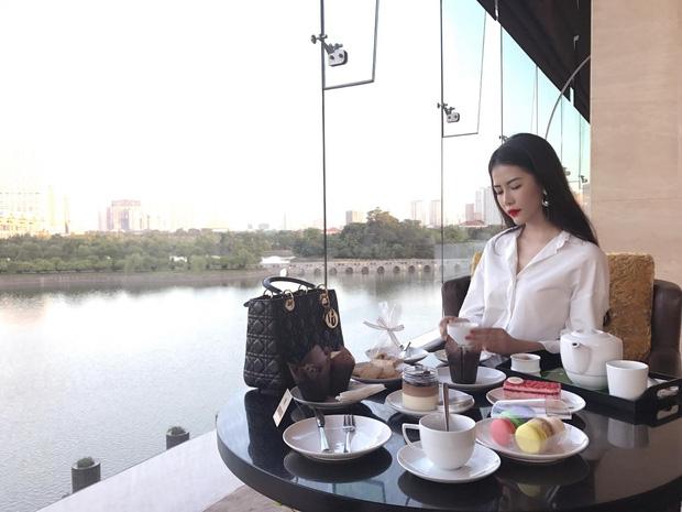 10x xinh đẹp có cuộc sống như công chúa đang cực hot trên Hội con nhà giàu Việt Nam - Ảnh 13.