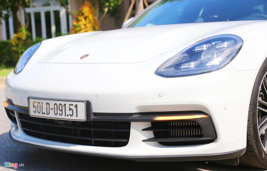 Chat the thao trong mau sedan hang sang Porsche Panamera 4S 2017 hinh anh 3