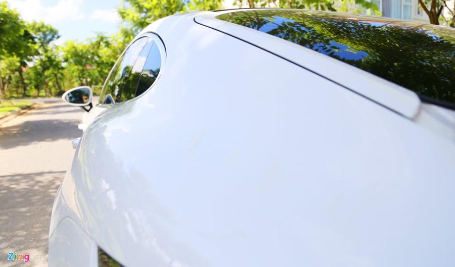 Chat the thao trong mau sedan hang sang Porsche Panamera 4S 2017 hinh anh 7