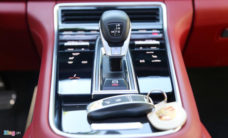 Chat the thao trong mau sedan hang sang Porsche Panamera 4S 2017 hinh anh 14