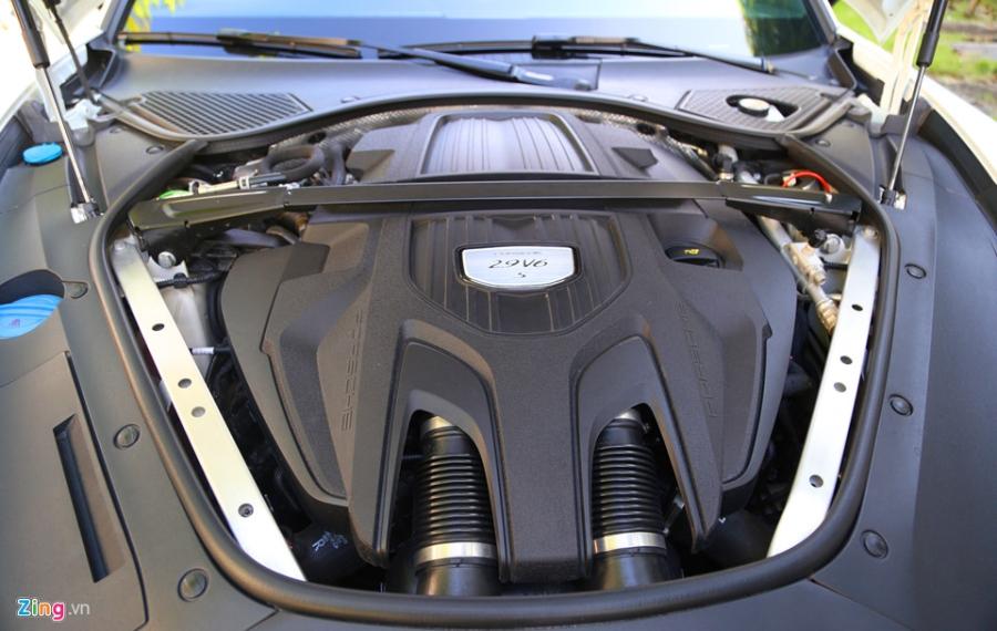 Chat the thao trong mau sedan hang sang Porsche Panamera 4S 2017 hinh anh 16