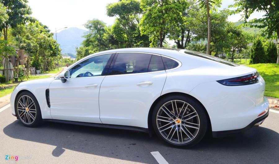 Chat the thao trong mau sedan hang sang Porsche Panamera 4S 2017 hinh anh 18