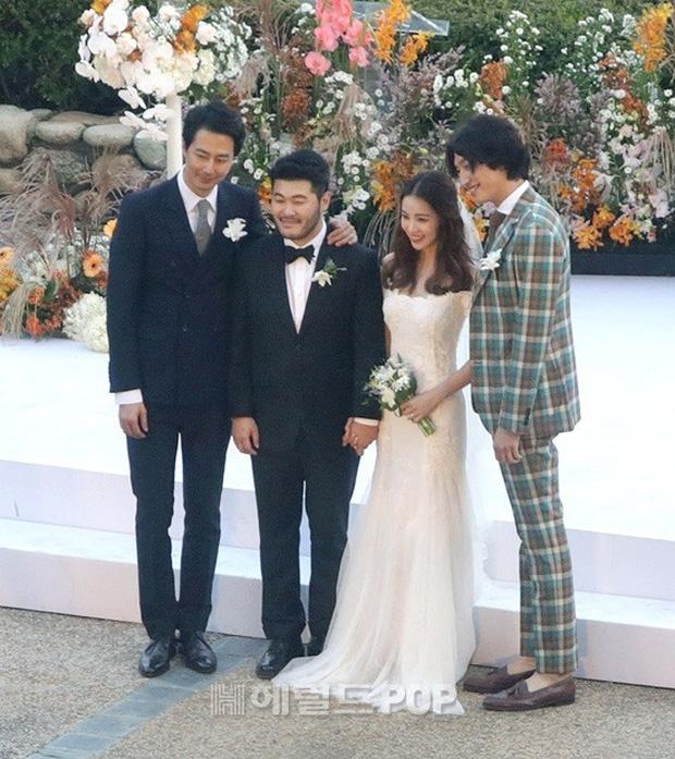 Đám cưới siêu khủng của diễn viên Vườn sao băng: Hội bạn thân tài tử, mỹ nhân hội tụ, thiếu Song Joong Ki - Ảnh 6.
