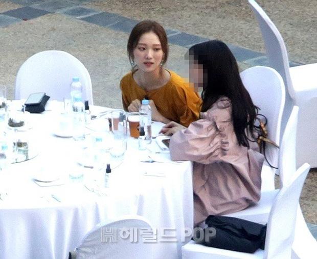 Đám cưới siêu khủng của diễn viên Vườn sao băng: Hội bạn thân tài tử, mỹ nhân hội tụ, thiếu Song Joong Ki - Ảnh 13.