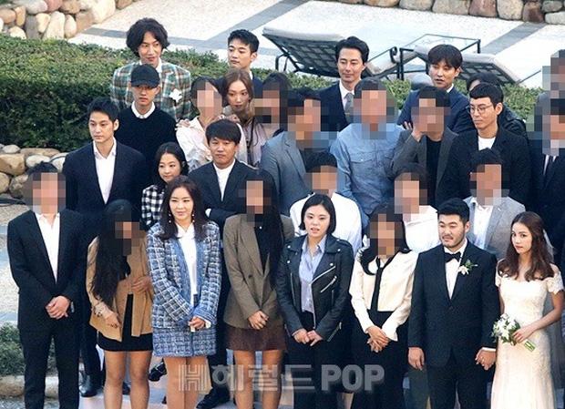 Đám cưới siêu khủng của diễn viên Vườn sao băng: Hội bạn thân tài tử, mỹ nhân hội tụ, thiếu Song Joong Ki - Ảnh 20.