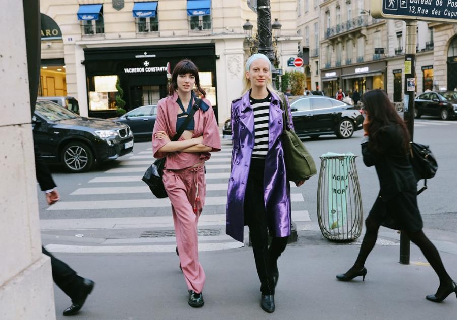 Street style chat nhat tai tuan le thoi trang Paris 2017 hinh anh 7