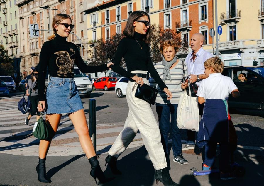 Street style chat nhat tai tuan le thoi trang Paris 2017 hinh anh 10