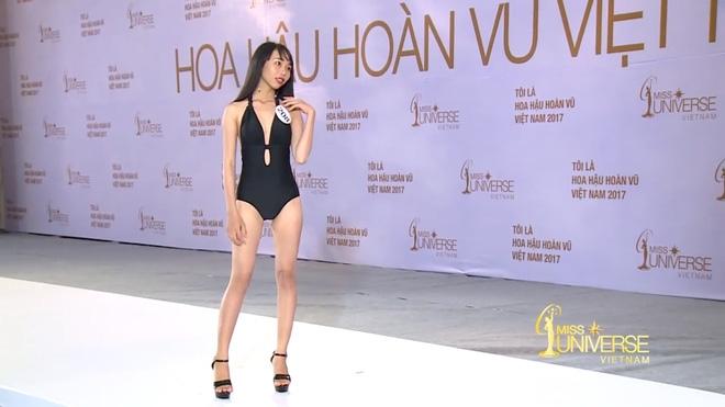 Hoa hậu Hoàn vũ VN 2017, tập 1: Nhiều trò cười, lố lăng tới mức MC Phan Anh bức xúc - Ảnh 5.