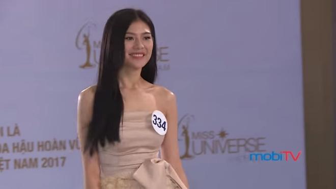 Hoa hậu Hoàn vũ VN 2017, tập 1: Nhiều trò cười, lố lăng tới mức MC Phan Anh bức xúc - Ảnh 11.