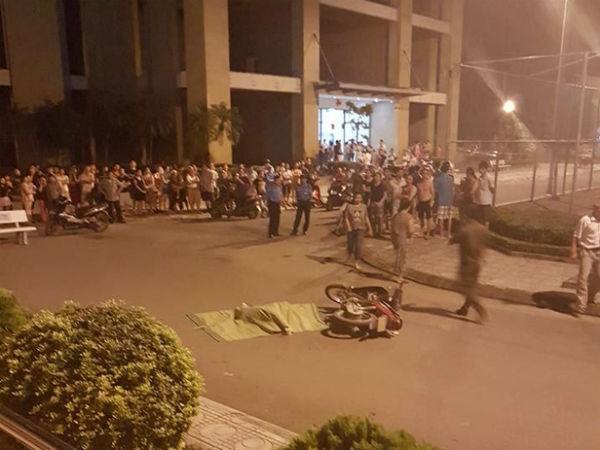 Cô gái trẻ rơi từ tầng 25 chung cư ở Hà Nội xuống đất, người đi xe máy ngất xỉu vì sốc
