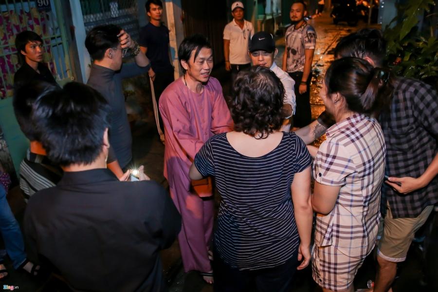 Danh hai Hoai Linh den tu biet nghe si Khanh Nam luc 1h sang hinh anh 8