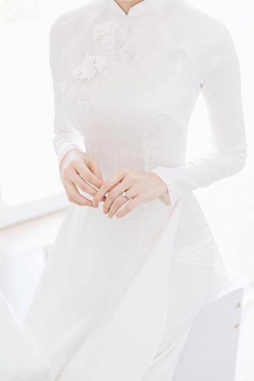 Hé lộ loạt ảnh Hoa hậu Thu Thảo đẹp tựa nữ thần, rạng rỡ bên ông xã Trung Tín trong ngày ăn hỏi - Ảnh 2.