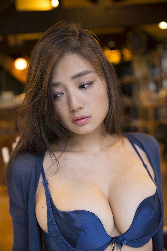 ve-dep-boc-lua-cuamoemi-katayama-2