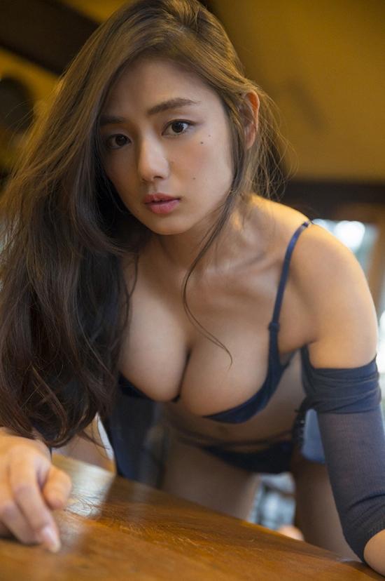 ve-dep-boc-lua-cuamoemi-katayama-3