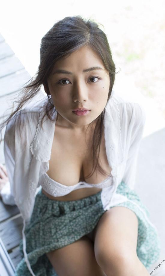 ve-dep-boc-lua-cuamoemi-katayama-4