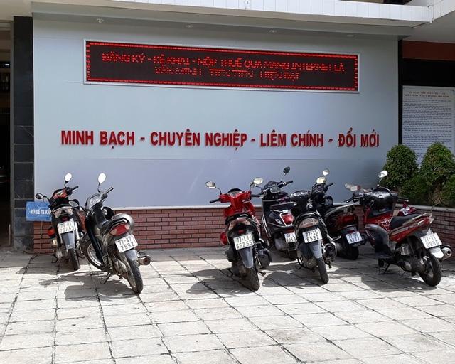 Trước Cục Thuế tỉnh Bình Định là khẩu hiệu: Minh bạch - chuyên nghiệp - liêm chính - đổi mới