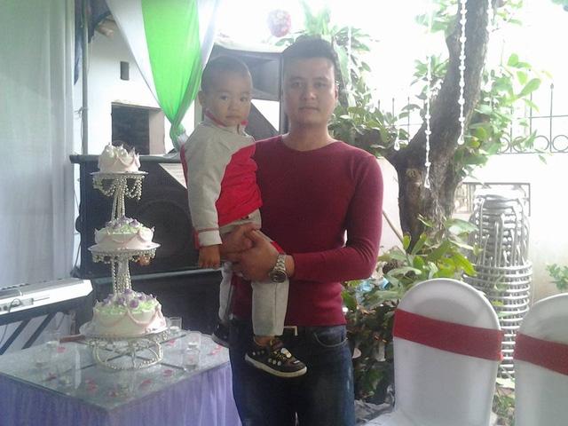 Anh Thiện và con trai Thái Quang Minh (ảnh gia đình cung cấp)
