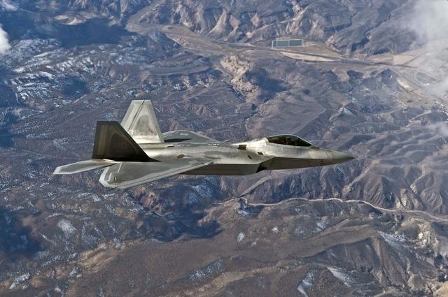 Máy bay chiến đấu F-22 Raptor của Không quân Mỹ (Ảnh: BI)