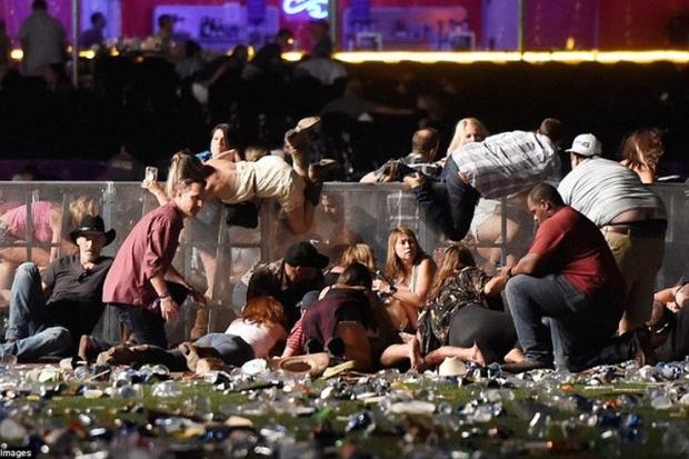 5 vụ xả súng thảm sát đẫm máu nhất lịch sử nước Mỹ - Ảnh 1.