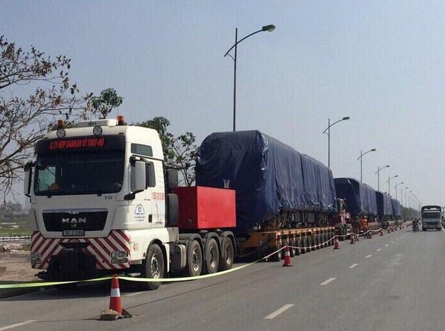 Đoàn tàu Cát Linh - Hà Đông thứ 2 trong tổng số 13 đoàn tàu đã về tới Hà Nội trong đêm 1/10