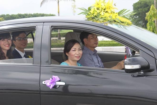 Nàng dâu khoe khéo bố chồng lái xe đón dâu, mẹ chồng leo 2 tầng lầu bê cơm cữ - Ảnh 2.