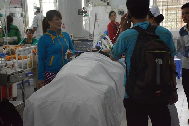 """Vụ tai nạn 6 người chết: """"Tài xế buồn ngủ, tôi nói hãy nghỉ ngơi rồi đi tiếp nhưng không chịu"""" - Ảnh 1."""