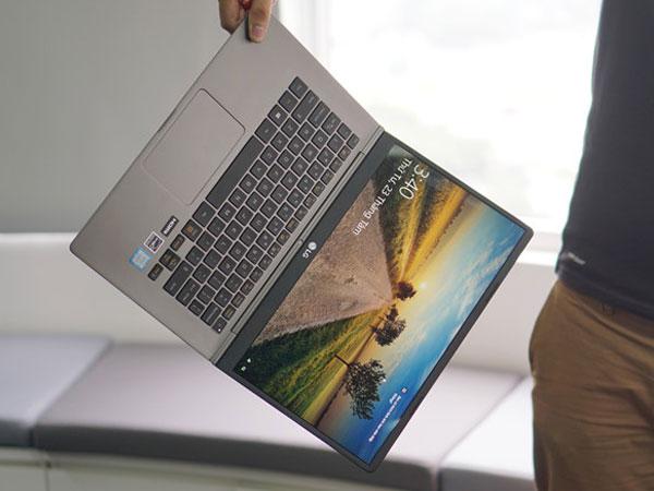Laptop siêu mỏng nhẹ ngày càng phổ biến tại Việt Nam