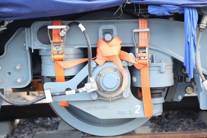 Cận cảnh hàng chục toa tàu được lắp đặt ở đường sắt trên cao Hà Đông - Cát Linh  - Ảnh 4.