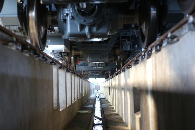 Cận cảnh hàng chục toa tàu được lắp đặt ở đường sắt trên cao Hà Đông - Cát Linh  - Ảnh 8.