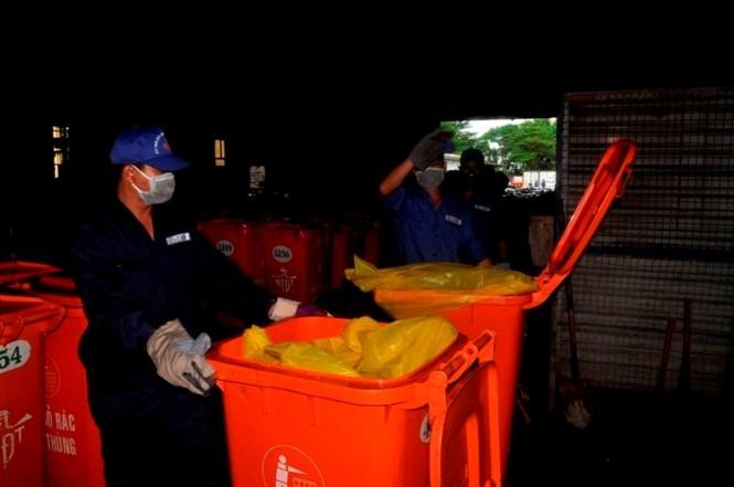 """Cận cảnh lò tiêu hủy gần 4000 con heo bị tiêm thuốc """"an thần"""" - ảnh 4"""