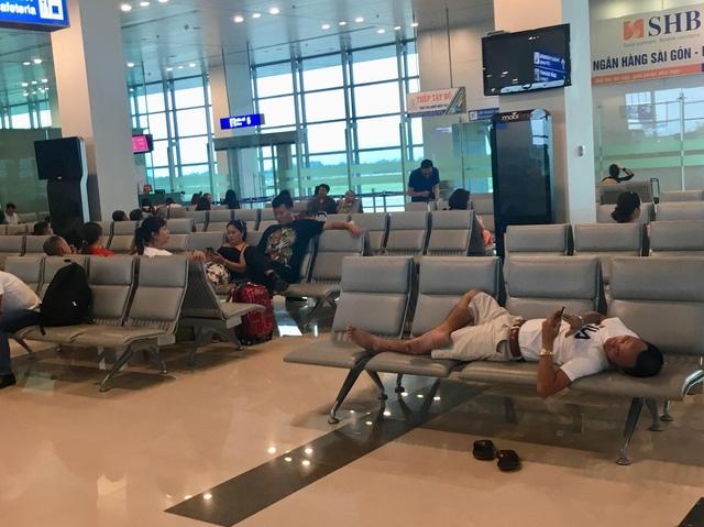 Hãng hàng không phải phục vụ bữa ăn, bố trí chỗ ngủ, nghỉ cho hành khách trong các trường hợp chuyến bay bị chậm/huỷ (tùy thời gian chậm/hủy)