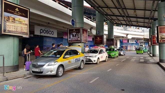 Cuoc chien cuoc san bay cua taxi truyen thong va Uber, Grab o Ha Noi hinh anh 4