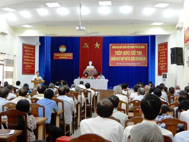 Đoàn đại biểu Quốc hội TP Đà Nẵng tiếp xúc với các cử tri quận Hải Châu để chuẩn bị cho Kỳ họp thứ tư, Quốc hội khóa XIV.