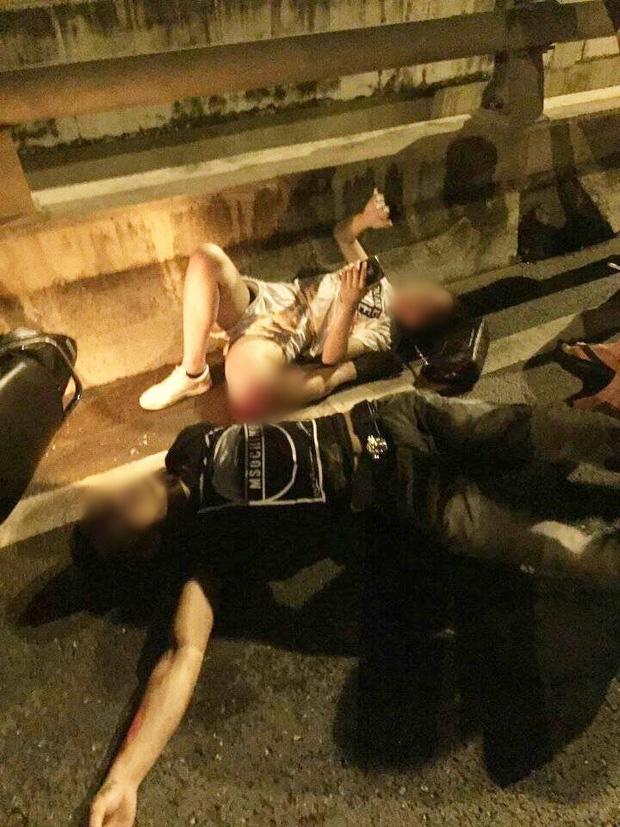Hà Nội: Cô gái trẻ bị gãy gập chân vẫn bình thản nằm bấm điện thoại sau va chạm giao thông - Ảnh 2.