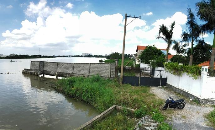 Kinh hãi 27 căn nhà sắp tuột xuống sông Sài Gòn! - Ảnh 6.