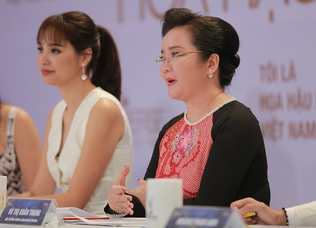 """Bất ngờ, giám khảo Xuân Trang phải nhắc nhở thí sinh Mai Ngô: """"Tôi nhớ là mẹ em đã dẫn em đến gặp tôi, em nói cô ơi con có ước mơ trở thành hoa hậu. Tôi lại thấy những gì em đã học, không được em áp dụng khi em nổi tiếng. Thay vì sự nổi tiếng thì em mang lại rất nhiều tai tiếng""""."""