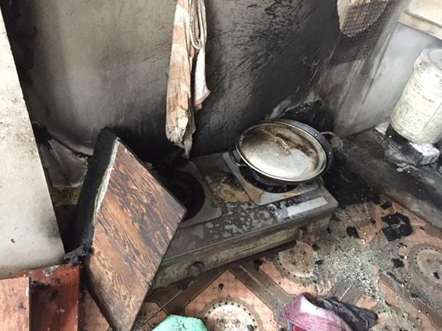 Nổ khí gas, ba người trong gia đình bị bỏng - Ảnh 1.
