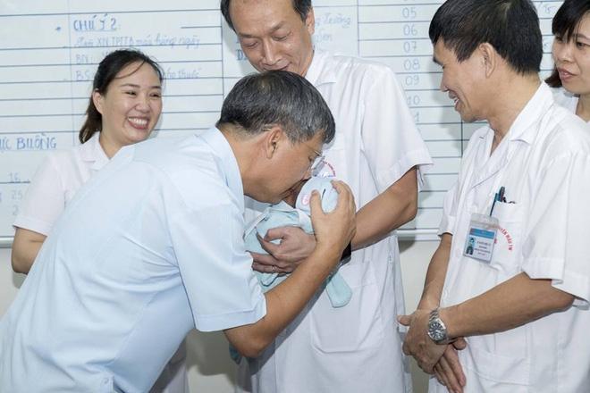 Nỗi trăn trở của GS Nguyễn Anh Trí khi về hưu mẹ của bé trai bị bỏ rơi chưa quay lại nhận con - Ảnh 2.