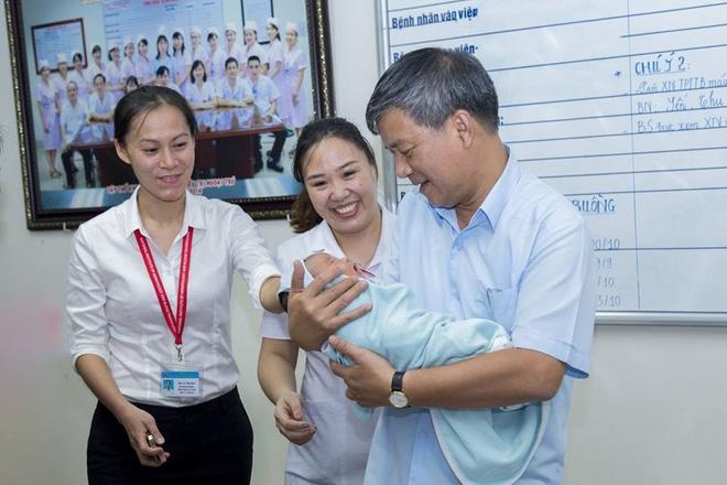 Nỗi trăn trở của GS Nguyễn Anh Trí khi về hưu mẹ của bé trai bị bỏ rơi chưa quay lại nhận con - Ảnh 5.